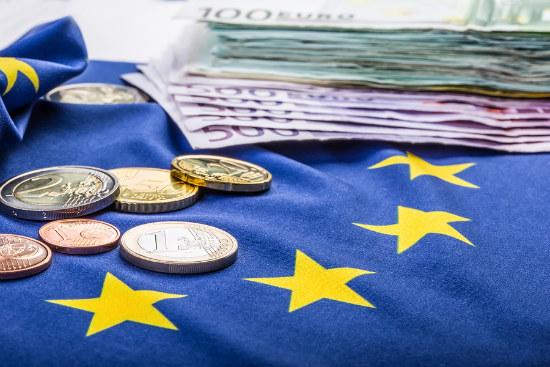 16_Eurozone hails breakthrough on Greek debt